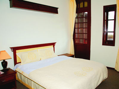 HOTEL INFORMATION & BOOKING SERVICE
